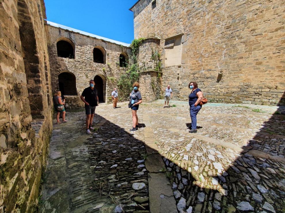 visita-guiada-monasterio-san-victorian